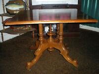 TABLE ANTIQUE - ( PH 0361 )