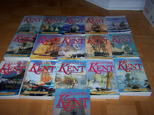 ALEXANDER KENT - 16 large softcovers - Bolitho Series