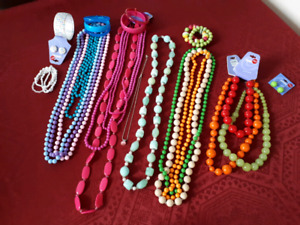 Lot: Chains, Beeds & Bracelets! NEW.