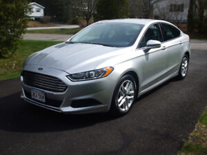2016 Ford Fusion SE Ecoboost low mileage
