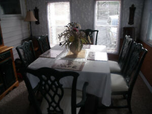 DINING TABLE &6 CHAIRS