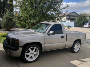 2006 GMC Sierra Regular Cab Short Box *REDUCED*