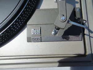DUAL TURNTABLE  505-1 $200 OR BEST WORKS WELL!