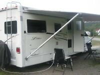 VR Lexington by Forest River,250 SS (25 pieds) 8 cylindre 8.1 L