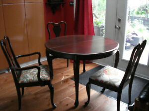 Gibbard, Legacy Style, Mahogany Dining Table and Chairs