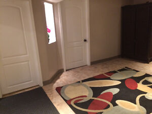 Guest room move in ready mins from polo and downtown