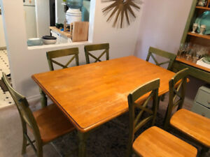 Must go!! Solid wood table, 6 chairs and hutch