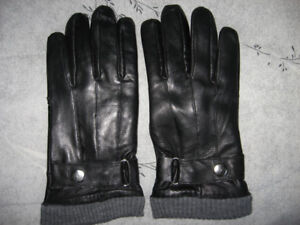 LEATHER GLOVES-NEW!