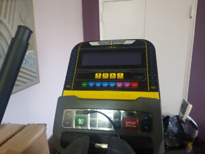Elliptical Fitness Machine Live Strong