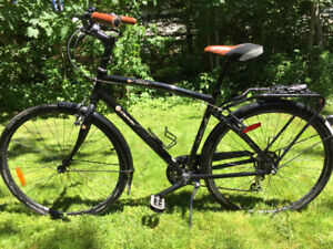 Opus Urbanista Bicycle MINT CONDITION
