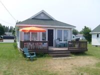 2 Bedroom Cottage Steps Away From The Beach, Caissie Cape, NB