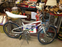 ★ Vintage 80's Blue Angel Girl's Kids Bike ★