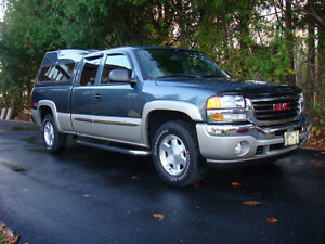 "GMC SLE SIERRA NEVADA EDITION Z71 - LOW LOW KM""S !!"