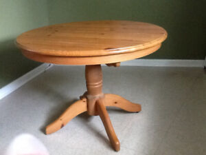 Kitchen or dining table (6)