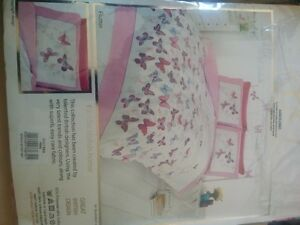 Single Duvet Cover (Pink & White) - brand NEW West Island Greater Montréal image 3