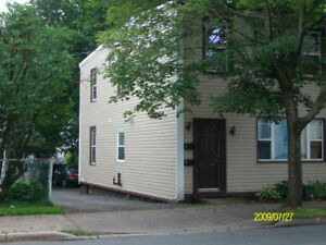 3 BR Flat North Str Near Robie July 1 or Sept 1, $1650 incl all