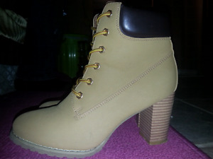 BOOTS! (Woman's)