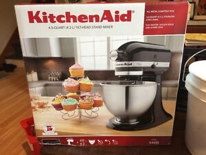 KitchenAid Mixer K5SS BRAND NEW IN BOX