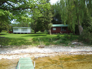Prince Edward County - Lakefront Cottage