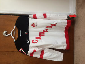 Sidney Crosby 100th anniversary Canada jersey