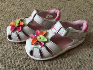 Girls Stride Rite size 6 summer shoes