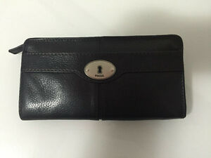 Fossil Maddox Black Leather Wallet Strathcona County Edmonton Area image 1