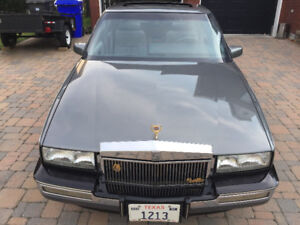 Cadillac Seville antique (1986) originale et impeccable
