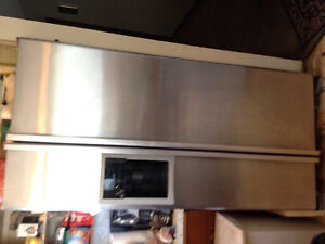 Stainless steel French door fridge 8 yrs old, with ice and water