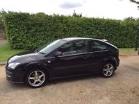FORD FOCUS 1.4 ZETEC 2005 1 YEARS MOT LOW MILES ONLY DONE 70K DRIVES LOVELY