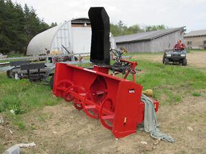 Snowblower for farm tractor // Soufleuse pour tracteur de ferme