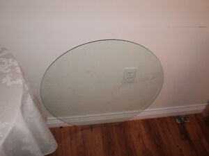 Circular glass for table top
