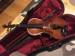 B & H 400 series full size violin with case