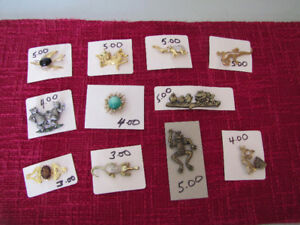 BROOCHES & EARRINGS