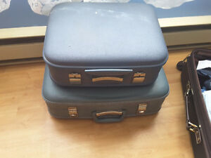 PAIR OF VINTAGE HARD SHELL SUITCASES
