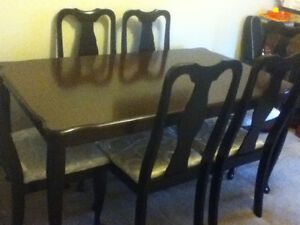 8 Pieces Antique dining room set1 table,6 chairs,1 long credenza