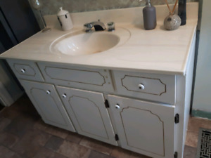 BATHROOM VANITY WITH  CERAMIC TOP AND  FAUCET