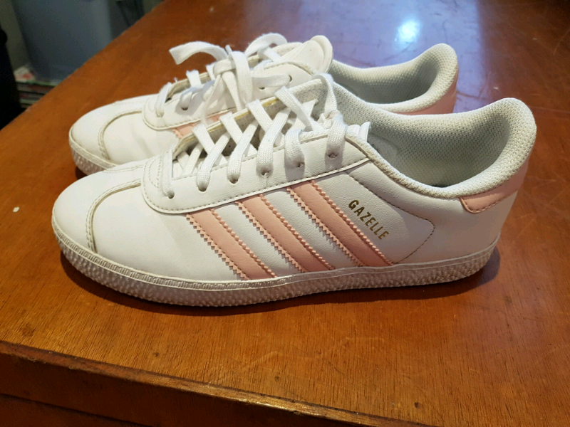 quality design b35b6 ffd49 Authentic Adidas Gazelle Trainers Shoes size 3 Ladies Girls