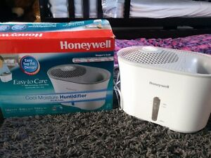 HUMIDIFICATEUR HONEYWELL West Island Greater Montréal image 1