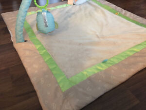Fisher Price Baby Gym Play Mat with Music