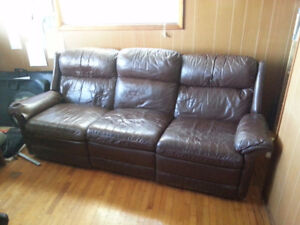 Leather Couch In Westport