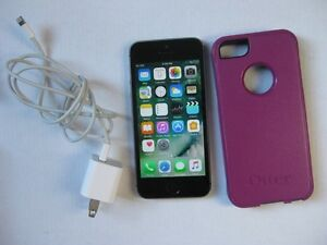 iPhone 5S - 16GB Bell Virgin Excellent phone