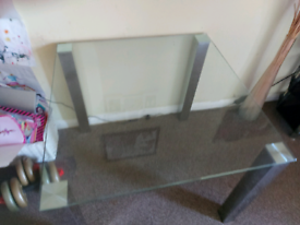 Dining room glass table, great condition