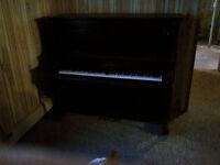 Morris Piano