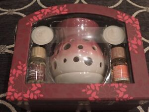 Body Shop Home Fragrance Oils and Burner Set