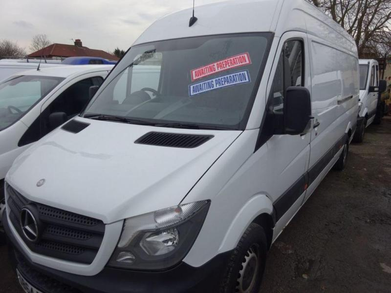 74a43f8ffe WHITE MERCEDES-BENZ SPRINTER 2.1 313 CDI LWB    FROM £281 PER MONTH
