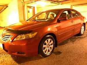 2007 Hybrid Toyota Camry fully loaded ONE OWNER!