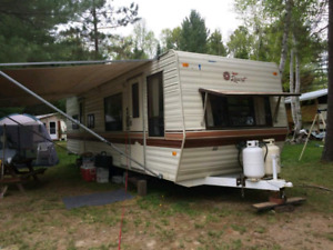 30 ft Camping Trailer