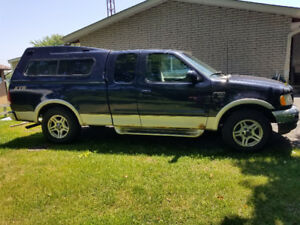 2001 Ford F150 280000 km. $1800 or trade for 4 wheeler