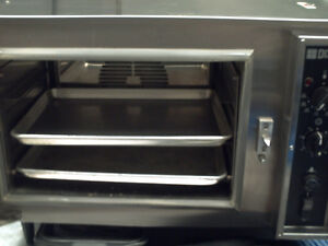 Doyon  dc03 half size tabletop convection oven 120v Kitchener / Waterloo Kitchener Area image 2