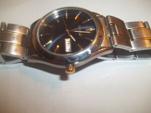 Vintage Watches-One-Gold watch